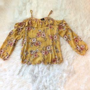 Rue 21 floral cold shoulder shirt size Large